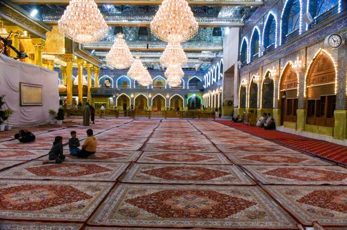 (1000) Carpets covering the shrine of Aba Al-Fadl Al-Abbas (peace be upon him).