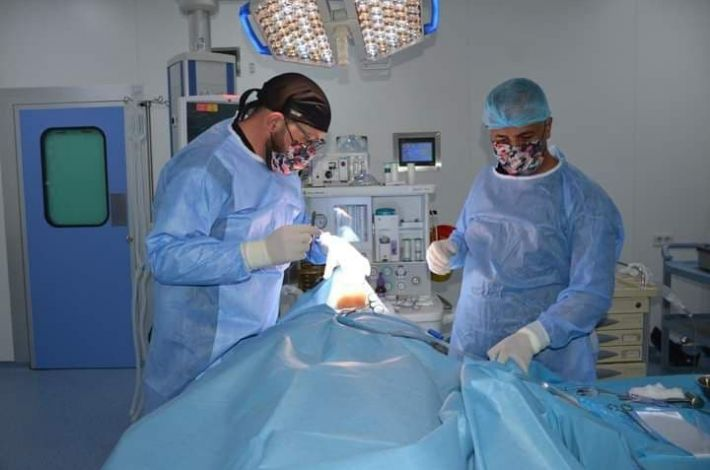 A tumor was removed from the face of a patient from Dhi Qar Governorate at the al-Kafeel Hospital. - An Iraqi medical team at Al-Kafeel Specialist Hospital of the al-Abbas's (p) holy shrine managed to remove a tumor from the face of a young woman in her thirties from Dhi Qar governorate without any c...