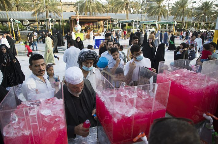 """Large quantities of juices are distributed to the fasting people every day in the area between the two holy shrines. - """"He who fasts has two joys: a joy when he breaks his fast and a joy when he meets his Lord."""
